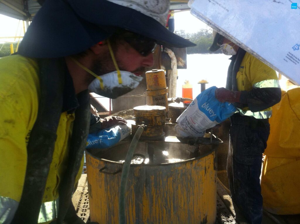 BluCem HE80: Mixing in preparation for Pile Grouting
